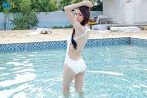 girl xinh mặc bikini 1 mảnh