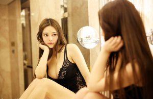 gái xinh mặc váy liền thân