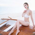 girl xinh mặc bikini trắng